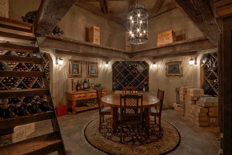 Interior dining room custom paint